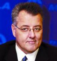 摩托罗拉首席运营官兼总裁格雷格・布朗