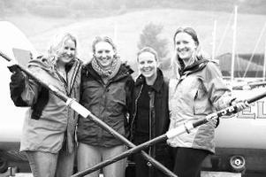 4名金发美女愿裸体横渡划船大西洋美女中戏北电图片