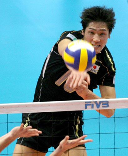 图文:保加利亚男排3-1胜日本 日队主攻凶狠