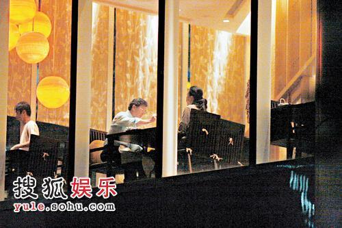 罗康瑞与朱玲玲在香格里拉酒店叹日本料理