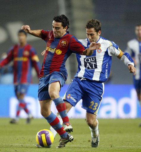 组图:德比战巴萨1-1西班牙人 小罗西甲首坐板凳