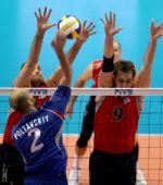 图文:男排世界杯俄罗斯3-2美国 美国双人拦网