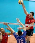 图文:男排世界杯俄罗斯3-2美国 此球势在必得