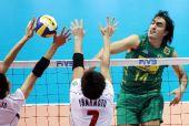 图文:男排世界杯巴西3-1日本 桑塔纳遭遇拦网