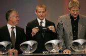 图文:2008年欧锦赛抽签揭晓 三位队长乐开怀