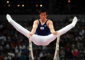 图文:[体操]男子双杠决赛 梁泰荣获得第三名
