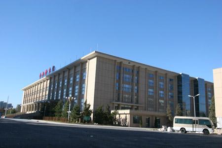 图文:首都体育馆改造竣工 东南角看首都体育馆