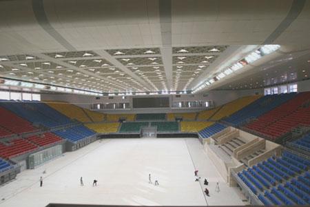 图文:首都体育馆改造竣工 体育馆内全景