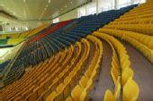 图文:首都体育馆改造竣工 体育馆内各色座席