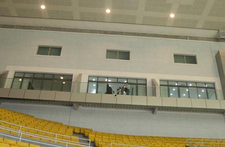 图文:首都体育馆改造竣工 体育馆残疾人包厢