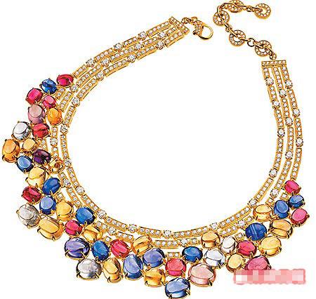 宝格丽彩宝钻炼是杨采妮的珠宝选择之一。未定价