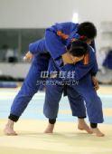 图文:中国女柔备战08奥运 袁华重披战袍训练
