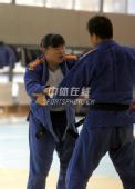 图文:中国女柔备战08奥运 奥运冠军袁华在训练