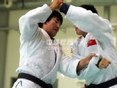图文:中国女柔备战08奥运 杨秀丽场上