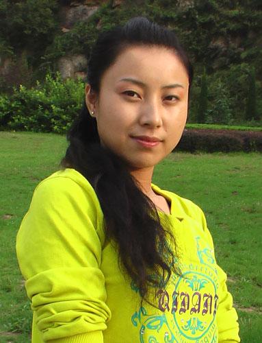 图文:礼仪之星选拔活动业余组选手 杨琳