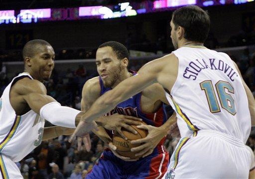 图文:[NBA]活塞逆转黄蜂 普林斯陷入重围