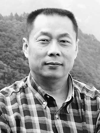 王松奇:中国社会科学院金融研究所副所长、研究生院教授、博士生导师。中国金融学会常务理事,《银行家》杂志主编。享受国务院特殊津贴。主要从事宏观经济、货币政策、金融改革方面的研究。