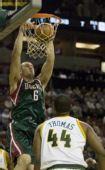 图文:[NBA]雄鹿VS超音速 博格特双手暴扣