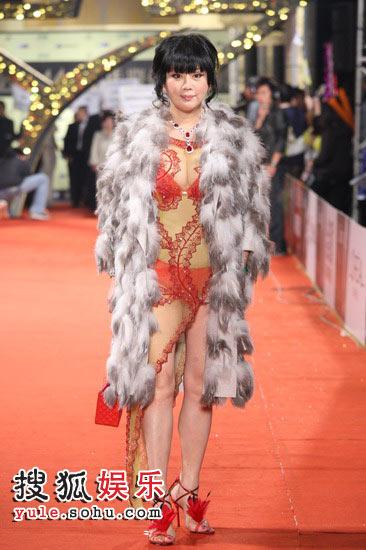 图:44届金马奖红毯  女星性感走红毯
