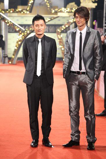 图:金马盛典 明星依次款款而来 两大帅哥PK
