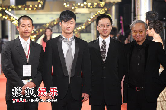 组图:44届金马奖红毯 吴京等走红毯