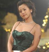 郝蕾墨绿色礼裙 凸显爆乳