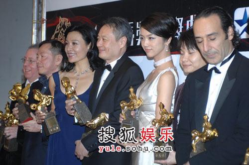 图:44届金马颁奖礼 所有获奖者合影1