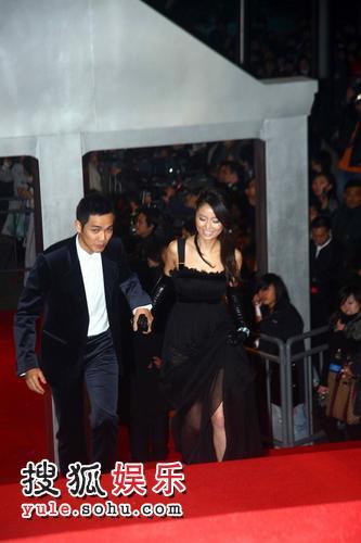 图:2007莱卡风尚大典 林心如钟汉良牵手亮相