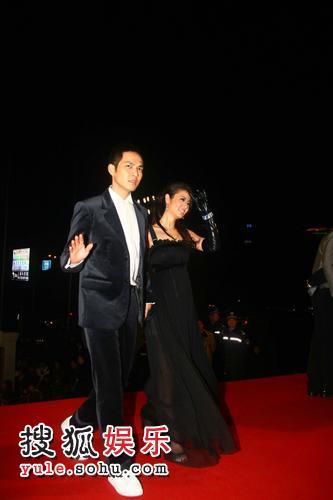 图:2007莱卡风尚大典 林心如钟汉良首次牵手
