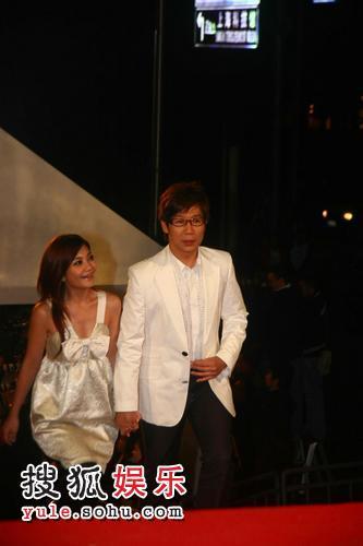 图:2007莱卡风尚大典 品冠与梁静茹携手亮相
