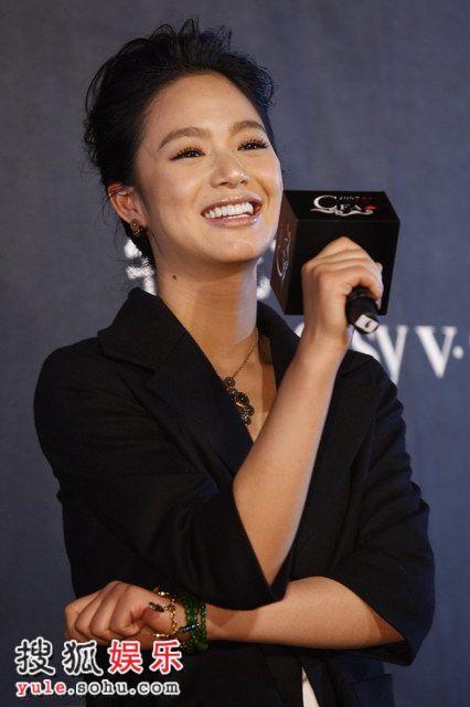 图:莱卡风尚大典 年度潜质女演员奖颁给周韵
