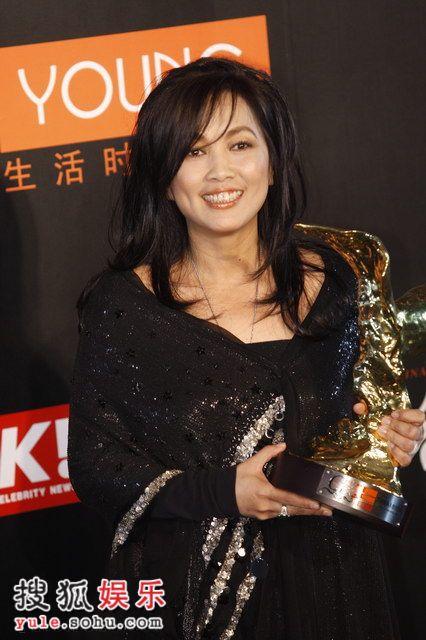 图:莱卡风尚大典 齐豫获台湾地区经典人物奖