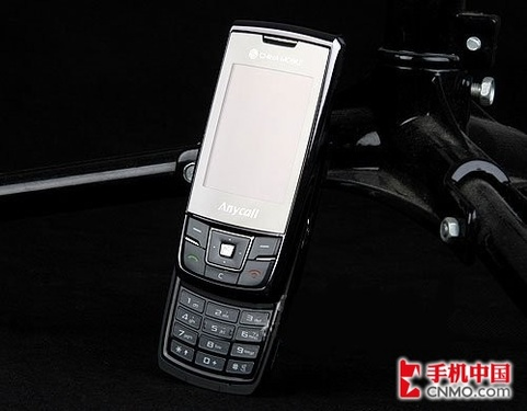 双卡双待也时尚 三星推出新品SGH-D888