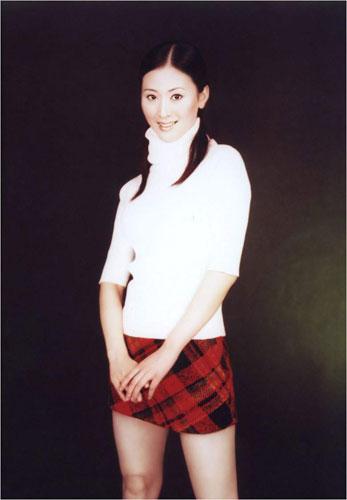 日本早早人体艺术_而鲜为人知的是以人体艺术写真出名的娇娃汤加丽也曾经是两枚体操金牌