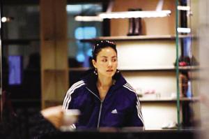 王菲在北京逛新光天地的图片