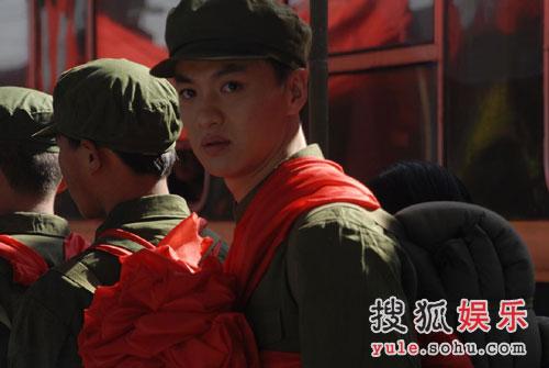 图:电视剧《空巷子》精美图集 陈大明参军