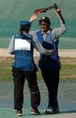 图文:科威特夺得一个奥运席位 相互庆祝胜利