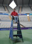 """图文:奥运""""花朵""""网球场 体验一把裁判座椅"""