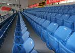 南北侧蓝色座椅