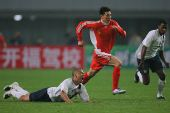 图文:[国奥]中国0-0美国 李玮峰锲而不舍