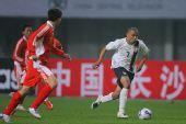 图文:[国奥]中国0-0美国 罗尼惊现赛场