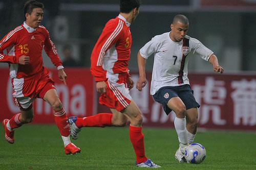 图文:[国奥]中国0-0美国 达威斯酷似罗尼