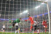图文:[国奥]中国0-0美国  中国队攻门瞬间