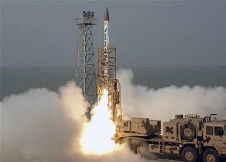 2007年12月6日,印度一枚先进的防空拦截导弹从升空(图片:路透社)