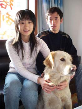 李艳秋和韩业君希望能带着导盲犬小柯成为明年残奥会的志愿者
