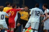 图文:[友谊赛]中国3-3美国 王永珀挥拳相向