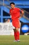 图文:[友谊赛]中国3-3美国 李玮峰很迷茫
