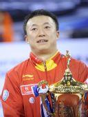 图文:乒联总决赛男单颁奖 马琳脸上写满幸福
