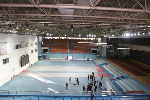 图文:北航体育馆改造竣工 体育馆内全景