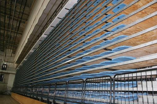 图文:北航体育馆改造竣工 收起来的活动座椅
